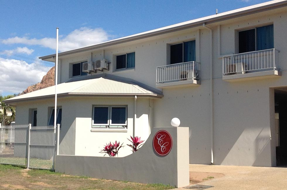 Welcome to Castle Crest Motel - Townsville QLD