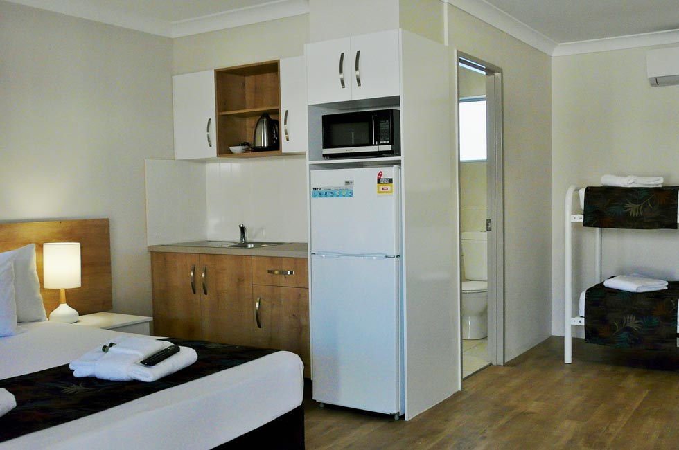 Quality motel accommodation with clean, air conditioned spacious rooms