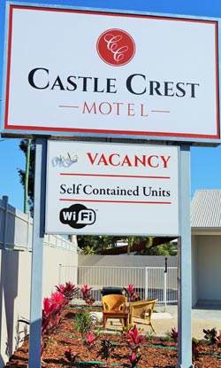 Castle Crest Motel - 2 Rose Street, North Ward, Townsville, QLD